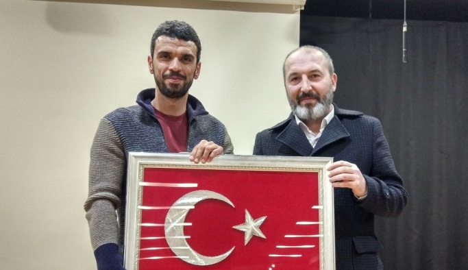 Kenan Sofuoğlu, hafızlık okulu öğrencileriyle buluştu