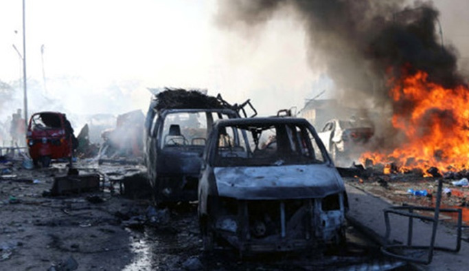 Mogadişu'da ikiz bombalı saldırı yapıldı
