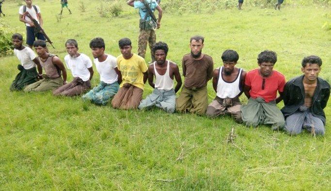 Myanmar, katliamı kanıtlayan muhabirleri tutukladı