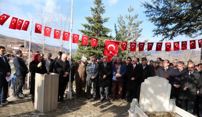 Şampiyon güreşçi Akbaş, mezarı başında anıldı