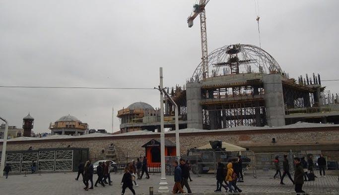 Taksim Camii'nde sıra ana kubbeye geldi