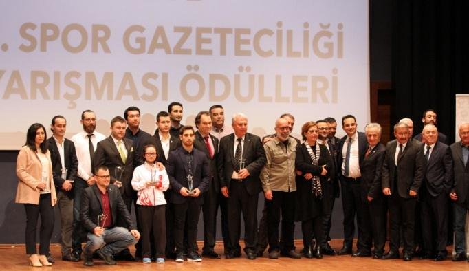 TSYD Ege'de Yılın Spor Ödülleri sahiplerini buldu