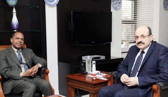 YÖK Başkanı Saraç, Küba Büyükelçisi Nunez ile görüştü