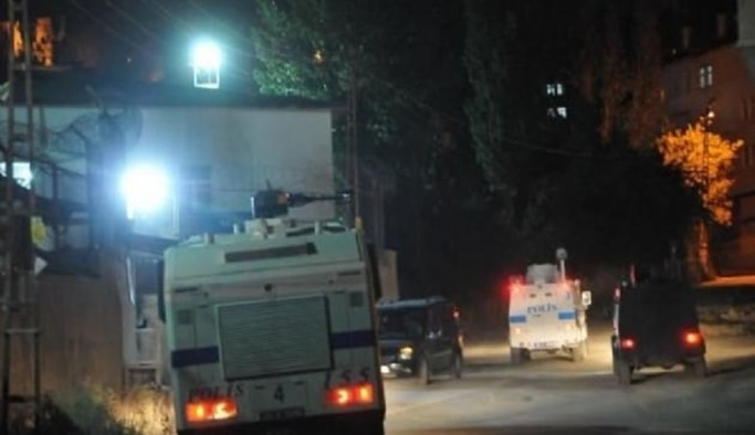 Yüksekova'da bombalı saldırı
