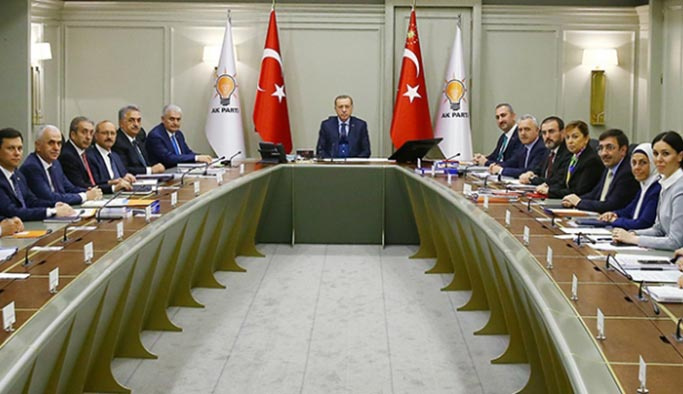 AK Parti'de başarılı başkanlara 'jest'