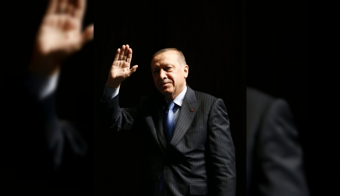 Cumhurbaşkanı Erdoğan sağlık çalışanlarına kalkan elleri affetmenin mümkün olmadığını, bunların teröristten hiç bir farkı bulunmadığını söyledi.