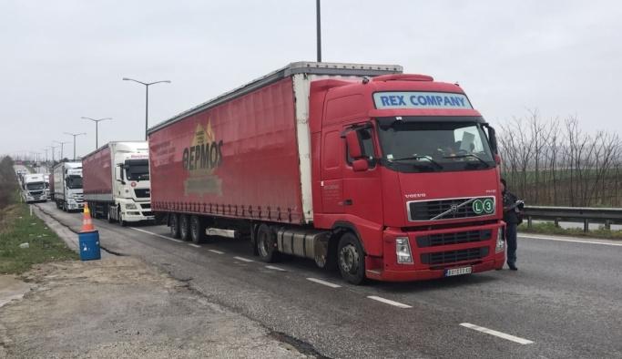 Bulgarların iş yavaşlığı sınırda kuyruğa neden oldu