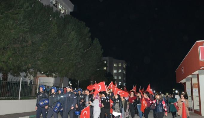 Kavga ihbarıyla çağırdıkları polislere