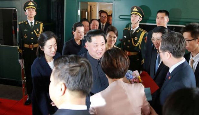 Kim, 'savaş karargahı'yla Çin'e gitmiş