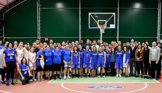 Koç Topluluğu Spor Şenliği'ne TOFAŞ Basketbol A Takımı sürprizi