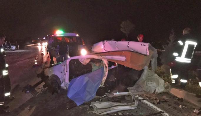 Manisa'da trafik kazası: 1 ölü, 2 ağır yaralı