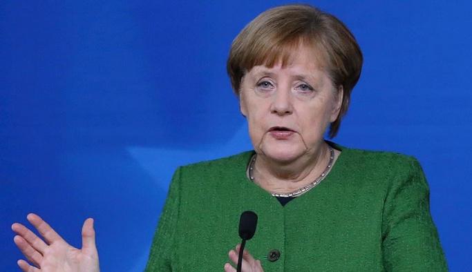 Merkel'den Türkiye'ye sıcak mesajlar