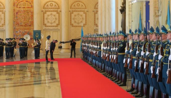 Tacikistan Cumhurbaşkanı Rahman Kazakistan'da