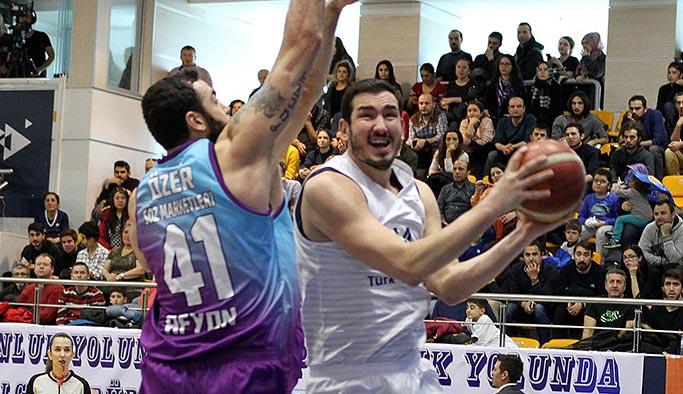 Türk Telekom şampiyonluk yolunda doludizgin: 82-74