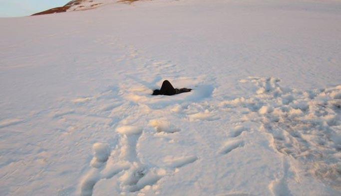 Umut yolcuları karda donarak öldü