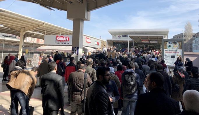 Vapur seferleri iptal, Marmaray'da aşırı yoğunluk