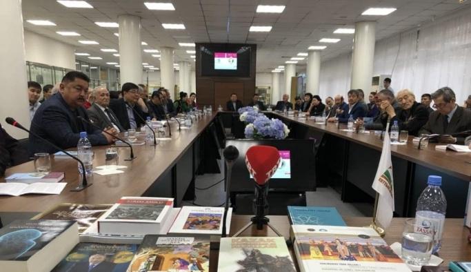 Yunus Emre'nin 100 şiiri Kazakçaya kazandırıldı