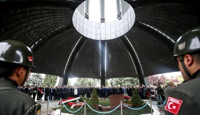8. Cumhurbaşkanı Özal'ın vefatının 25. yılı