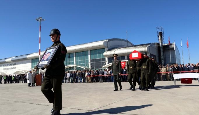 Ağrı'da şehit asker için tören