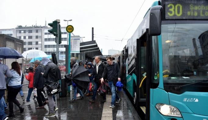 Almanya'da kamu işçilerinin grevi