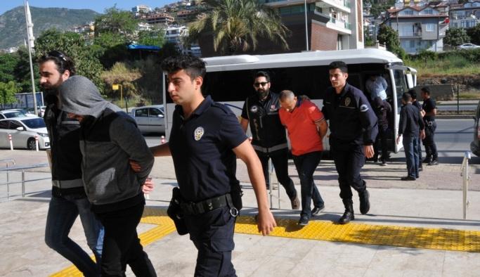 Antalya'daki organize suç örgütlerine yönelik operasyon