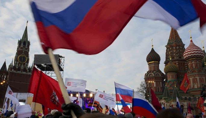 Batılı güçlerin yaptırımları Rus ekonomisini çökertti