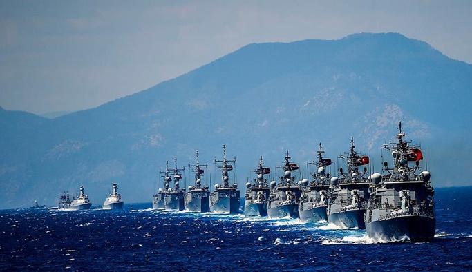 Donanma Akdeniz'de teyakkuza geçti