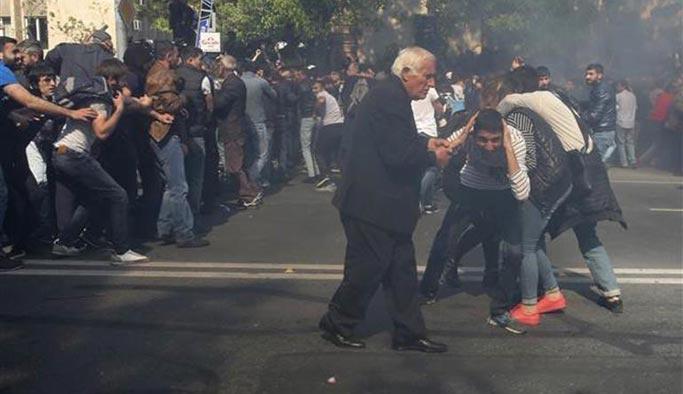 Ermenistan karıştı, göstericiler polisle çatıştı