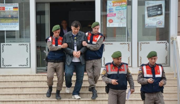 Eski savcı Yunanistan'a kaçarken yakalandı
