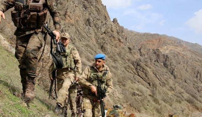 Hakkari'den acı haber, iki asker şehit