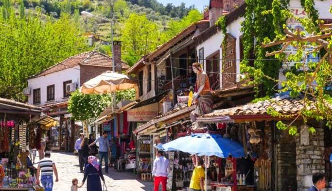 İzmir'e gelen yabancı turist sayısında artış