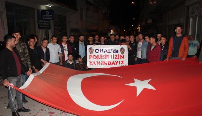 Kavga ihbarına giden polislere sürpriz kutlama