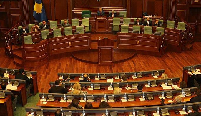 Kosova Meclisinde 'FETÖ oturumu'