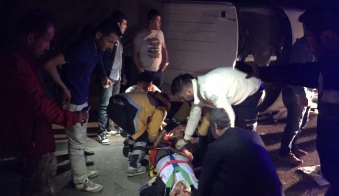 Kütahya'da kamyonet devrildi: 1 ölü, 2 ağır yaralı