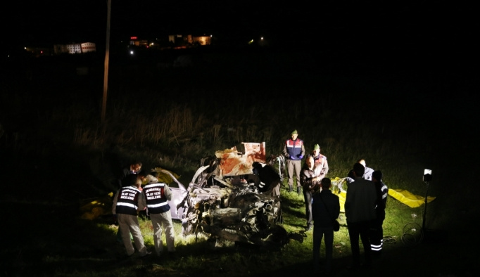 Nevşehir'de kamyonet ile otomobil çarpıştı: 5 ölü, 4 yaralı
