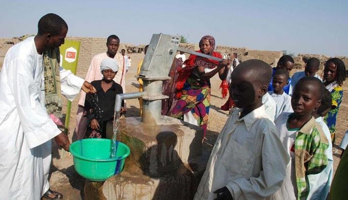 Sadakataşı Derneği Çad'da su kuyuları açtı