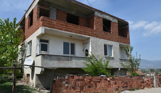Sinop'ta iki genç yataklarında ölü bulundu