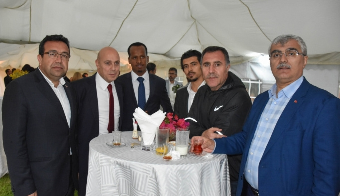 TBMM Parlamenterler Futbol Takımı Kenya'da