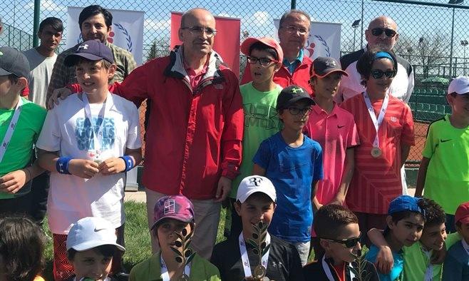 Tenis camiasından Zeytin Dalı Harekatı'na destek