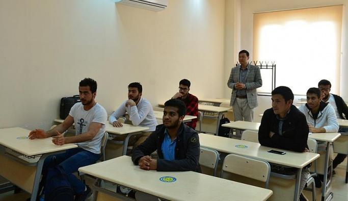 Türkçe öğrenip üniversite hayallerine kavuştular