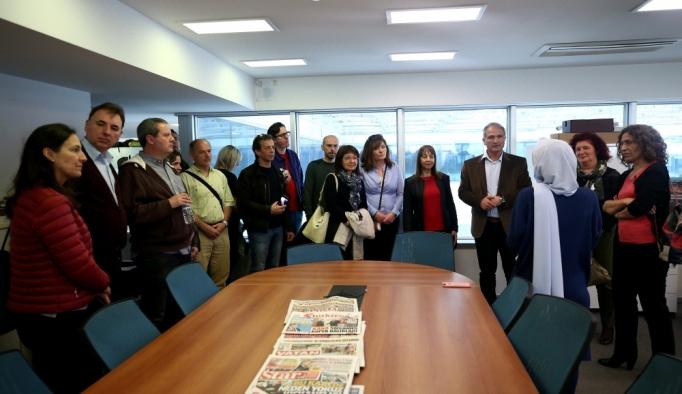 Yabancı öğretmen ve eğitim danışmanları AA'yı ziyaret etti