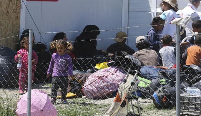 Yunanistan'da sığınmacılara kamp zorunluluğu kalktı
