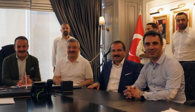AK Parti İzmir'de Başbakan Yıldırım sevinci