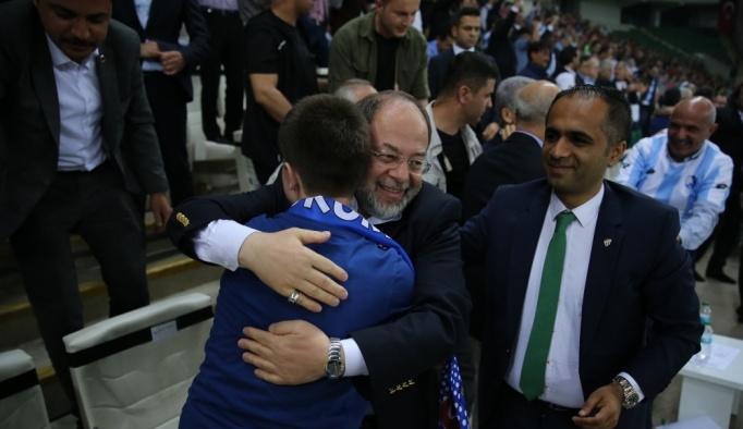 Başbakan Yardımcısı Akdağ, şampiyonluk turu attı