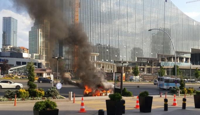 Başkentte araç yangını