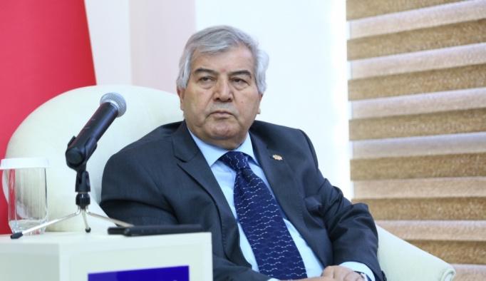Cengiz Aytmatov Azerbaycan'da anıldı