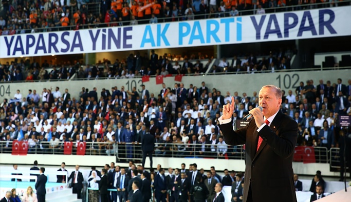 Erdoğan AK Parti'nin seçim beyannamesini açıkladı