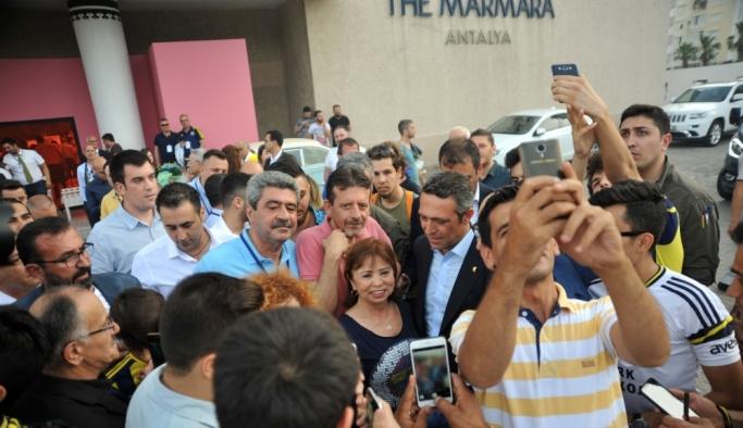 Fenerbahçe'nin başkan adayı Ali Koç Antalya'da