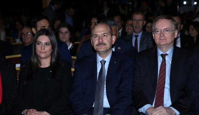"""""""Geçici Koruma Altındaki Suriyelilerin İş Gücü Piyasasına Uyumu"""" konferansı"""