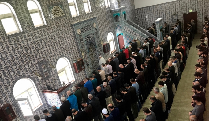 Hollanda'da Filistinli şehitler için gıyabi cenaze namazı
